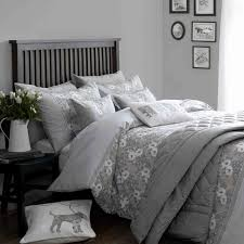 very pretty pale grey bed linen set