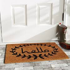 love this hello rug with a laurel around it such a cute front door rug