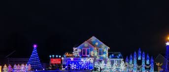 Lights on Jacob Lane located in Brewerton, New York | ChristmasDisplays.net