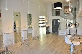 small beauty parlour interior design decorating a little salon