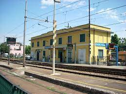 Paderno Dugnano railway station - Wikipedia