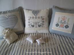 Lavanda e lillà: nuovo cuscino per il divano