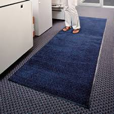 <b>Classic Solutions</b>™ Interior Mats | ColorStar™ Carpet Runners
