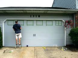 what kind of paint to use on garage door garage door paint colours what color should