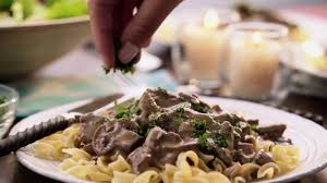 Campbell Kitchen Recipe Campbells Kitchen Slow Cooker Creamy Beef Stroganoff Youtube