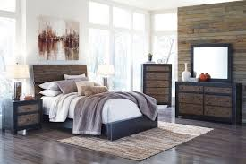 Small Master Bedroom Decorating Wonderful Small Master Bedroom Ideas With King Size Bed Pics