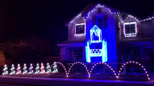 Let It Go Christmas Light Show Let It Go Elsas Frozen Ice Castle Comes To Life With Light O Rama Christmas Light Show