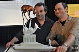 One such sculpture appears to show the likeness of a modern day (or perhaps futuristic) astronaut. La Rencontre La Parole Aux Experts La Capitale Actualites Le Soleil Quebec