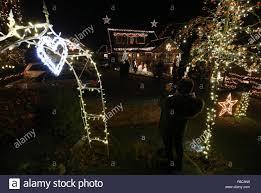 Christmas Lights Buckinghamshire The Shepherd Family Of Hill Farm Road Marlow Bottom