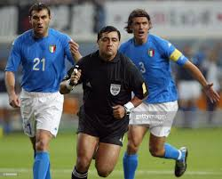 Referee Byron Moreno runs toward Francesco Totti to show the red card...  News Photo - Getty Images