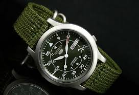 wrist watch area seiko 5 automatic canvas military field watch seiko mens snk805 seiko 5 automatic green canvas strap watch overview