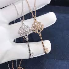 18k gold tiffany keys knot key pendant necklace with diamonds
