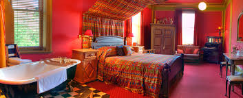 Exotic Indian Bedroom Designs Inpiration : EyeCatching Indian Bedroom  Design Idea with Red Wall Painting and Colorful Indian Quilt also  Attractive Open ...