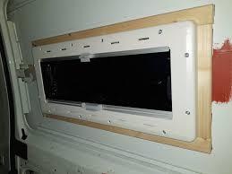 Das Erste Fenster In Unserem Camper Ist Eingebaut Vanarang