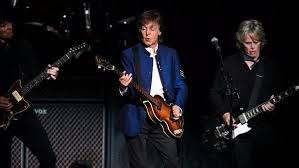 Paul McCartney delivers Beatles history lesson in Tinley Park ...
