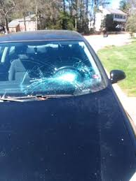 2008 volkswagen rabbit 2 door hatchback windshield