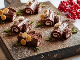 We've got christmas pudding, mince pies, trifle, cheesecake and more. 3 Kid Friendly Christmas Dessert Crafts Fn Dish Behind The Scenes Food Trends And Best Recipes Food Network Food Network