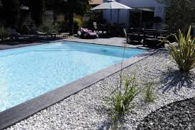 Abords De Piscine Quel Rev Tement Choisir Travaux Com
