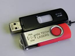 laser engraved gifts flashdrives and keychain