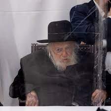 הרב קנייבסקי הוא סיפור כיסוי לעובדה שלחרדים אין הנהגה - קורונה - הארץ