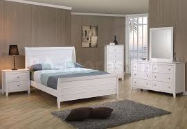 Simple White Full Size Bedroom Sets With Gray Area Rug