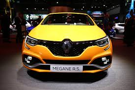 2018 renault rs. simple 2018 2018 renault mgane rs makes debut spicier trophy model already confirmed for renault rs