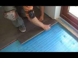 how to lay laminate wood flooring close
