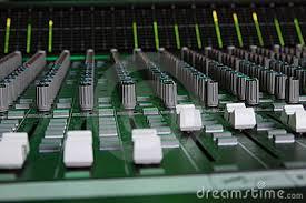 Resultado de imagen para consolas de sonido, imagenes