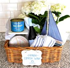 inexpensive housewarming gift magic idea home design 1000 about on last chance house warming from party favor for couple invitation thoughtful