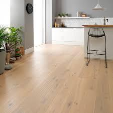 distressed white oak laminate flooring white oak laminate flooring