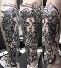 девушка с рогами и кроликом татуировка на ноге сделать тату у
