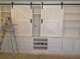 love the barn door hardware