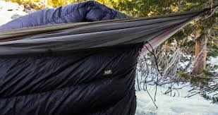 4 Clever Tricks To Stay Cozy While Hammock Camping Without An ... & camping with a hammock underquilt Adamdwight.com
