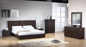 King Bedroom Sets Modern Platform Bedroom Set Modern Modrest Liza Modern Lacquer Platform