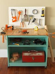 ci susanteare upcycled toy workbench without kids v