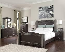 Vachel 6 Pc. Bedroom   Dresser, Mirror, Queen Poster Bed