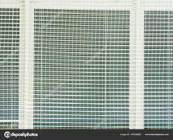 Schutz Der Fenster In Der Sporthalle Fenster Mit Gewebten Netz