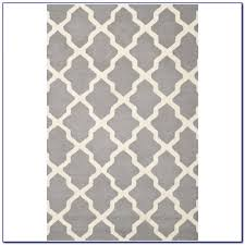 grey geometric rug runner