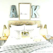 Black White And Gold Bedroom White And Gold Bedroom Decor In Om ...