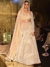 Deepika Padukone Designer Name Deepika Padukone In Abu Jani And Sandeep Khosla Fashion Show
