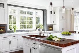 designer divide wood and marble