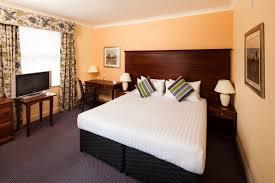 Hotel Accommodation In Newbury Berkshire Mercure Newbury Hotel - Double bedroom