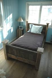 Build A Bear Bedroom Furniture 17 Best Images About Pallet Beds On Pinterest Old Wood