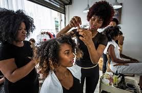 At A Santo Domingo Hair Salon Rethinking An Ideal Look
