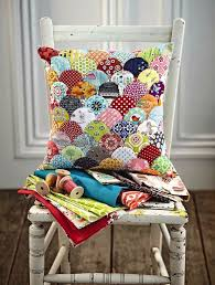 Best 25+ Patchwork quilting ideas on Pinterest   Quilting, Quilt ... & Free EPP templates for clamshells in 5 different sizes @ Love Patchwork &  Quilting magazine (Scallops Cushion by Jo Avery) Adamdwight.com
