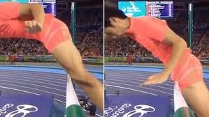 Pole Vault Plug Size Chart Well Endowed Pole Vaulter Suffers Unfortunate Olympic Mishap