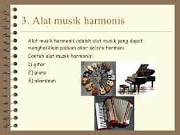 Alat musik melodis berbeda dengan alat musik ritmis. Musik Ansambel