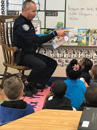 discovery elementary discoveryes twitter thanks to the city of sunrise police department for reading to our kindergarten students today cityofsunrise browardschoolspic com sng9fzspv9