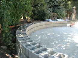 curved cinder block concrete s cement retaining wall blocks how to build a curved concrete block