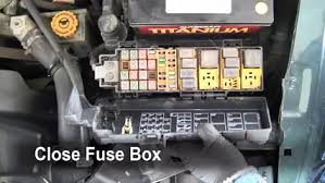 replace a fuse 2002 2007 jeep liberty 2002 jeep liberty limited Jeep Liberty Fuse Box 6 replace cover secure the cover and test component jeep liberty fuse box diagram